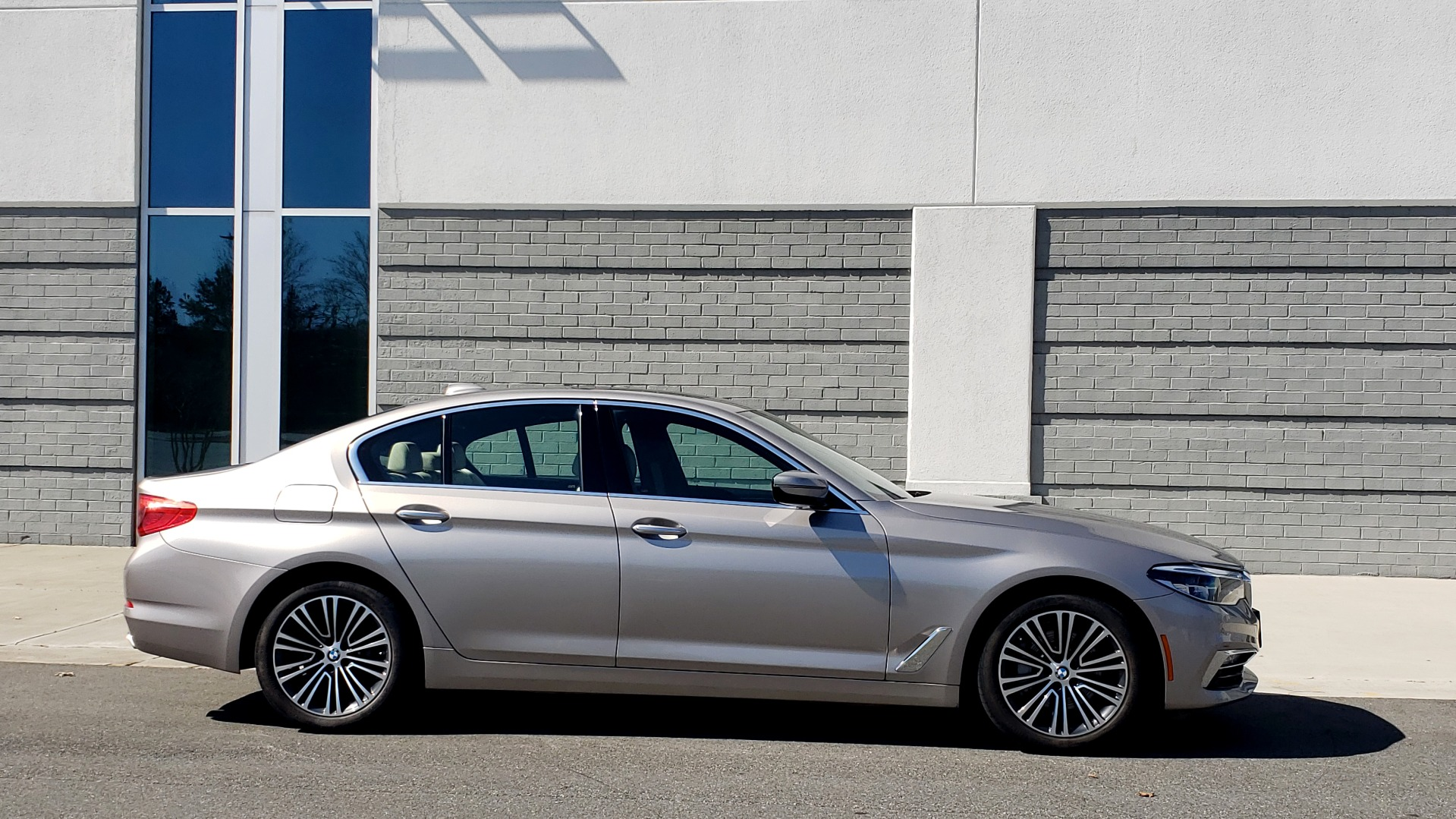 Used 2018 BMW 5 SERIES 540IXDRIVE PREMIUM / DRVR ASST PLUS / LUX PKG / APPLE CARPLAY for sale Sold at Formula Imports in Charlotte NC 28227 6