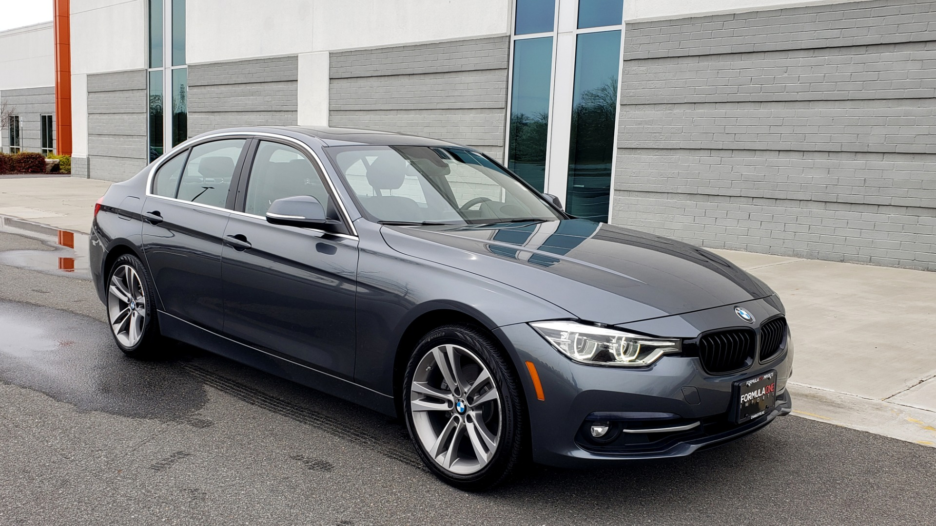 Used 2018 BMW 3 SERIES 330I XDRIVE PREMIUM / CONV PKG NAV / BLIND SPOT / HTD STS / REARVIEW for sale $22,695 at Formula Imports in Charlotte NC 28227 2