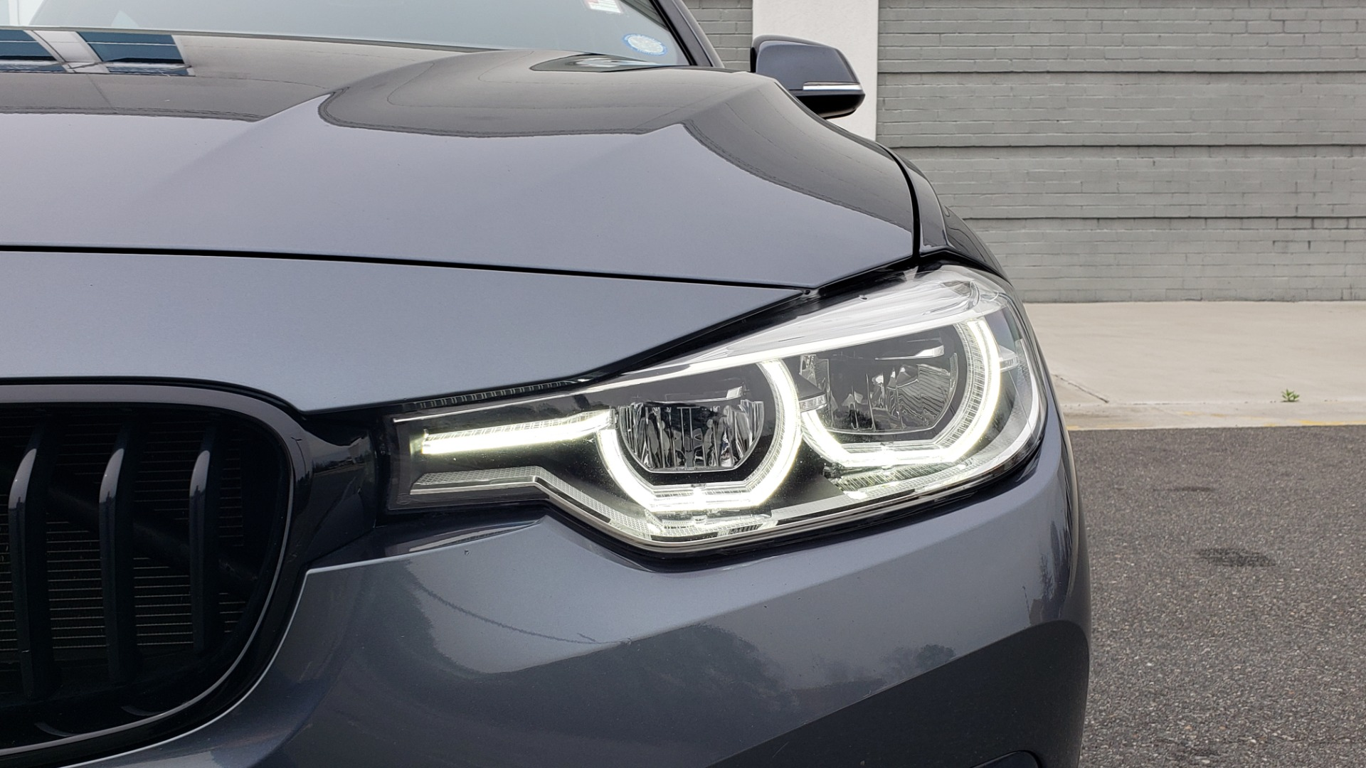 Used 2018 BMW 3 SERIES 330I XDRIVE PREMIUM / CONV PKG NAV / BLIND SPOT / HTD STS / REARVIEW for sale $22,695 at Formula Imports in Charlotte NC 28227 23