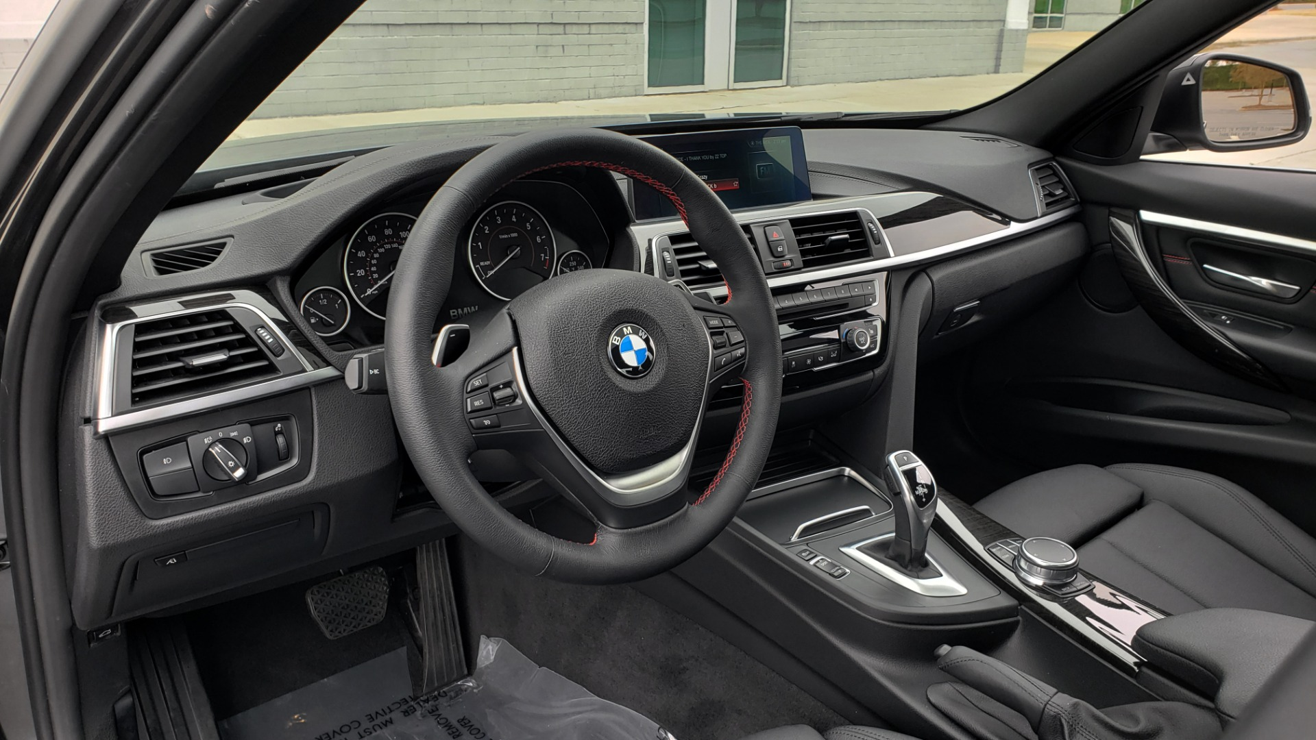 Used 2018 BMW 3 SERIES 330I XDRIVE PREMIUM / CONV PKG NAV / BLIND SPOT / HTD STS / REARVIEW for sale $22,695 at Formula Imports in Charlotte NC 28227 37