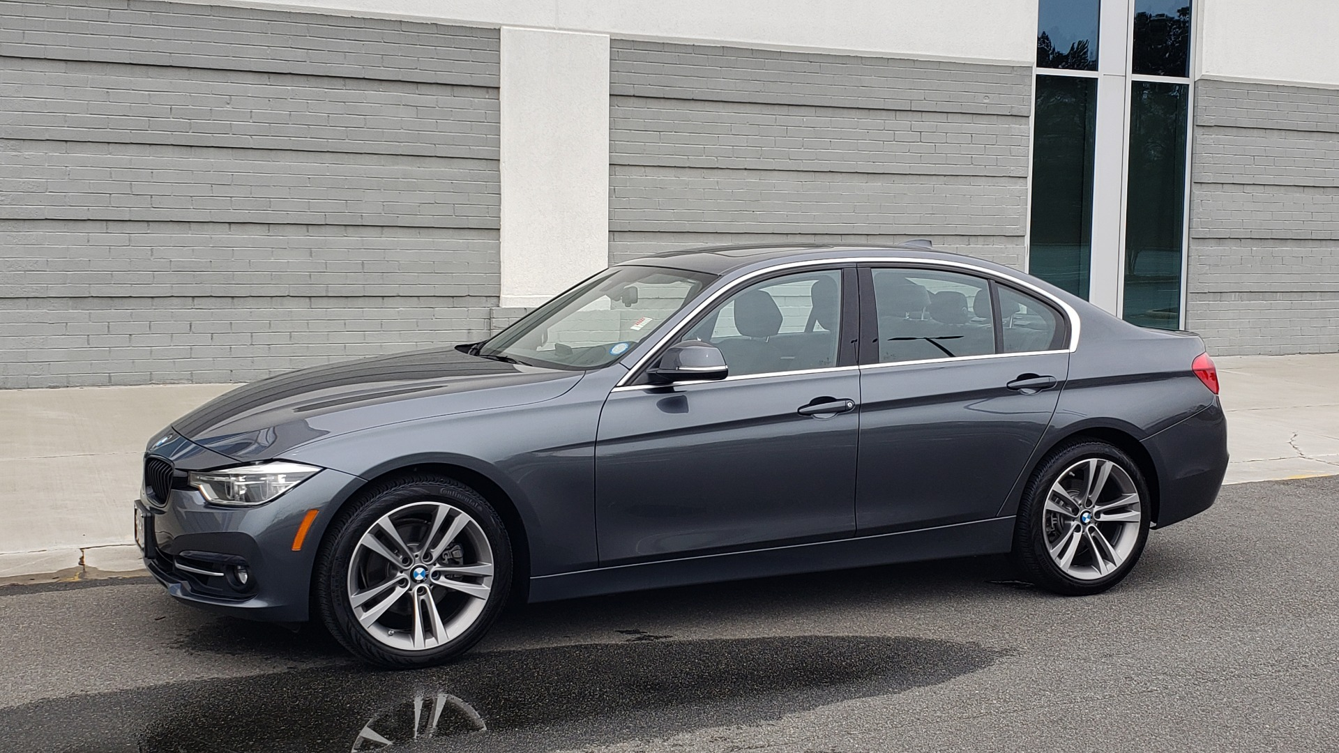 Used 2018 BMW 3 SERIES 330I XDRIVE PREMIUM / CONV PKG NAV / BLIND SPOT / HTD STS / REARVIEW for sale $22,695 at Formula Imports in Charlotte NC 28227 7