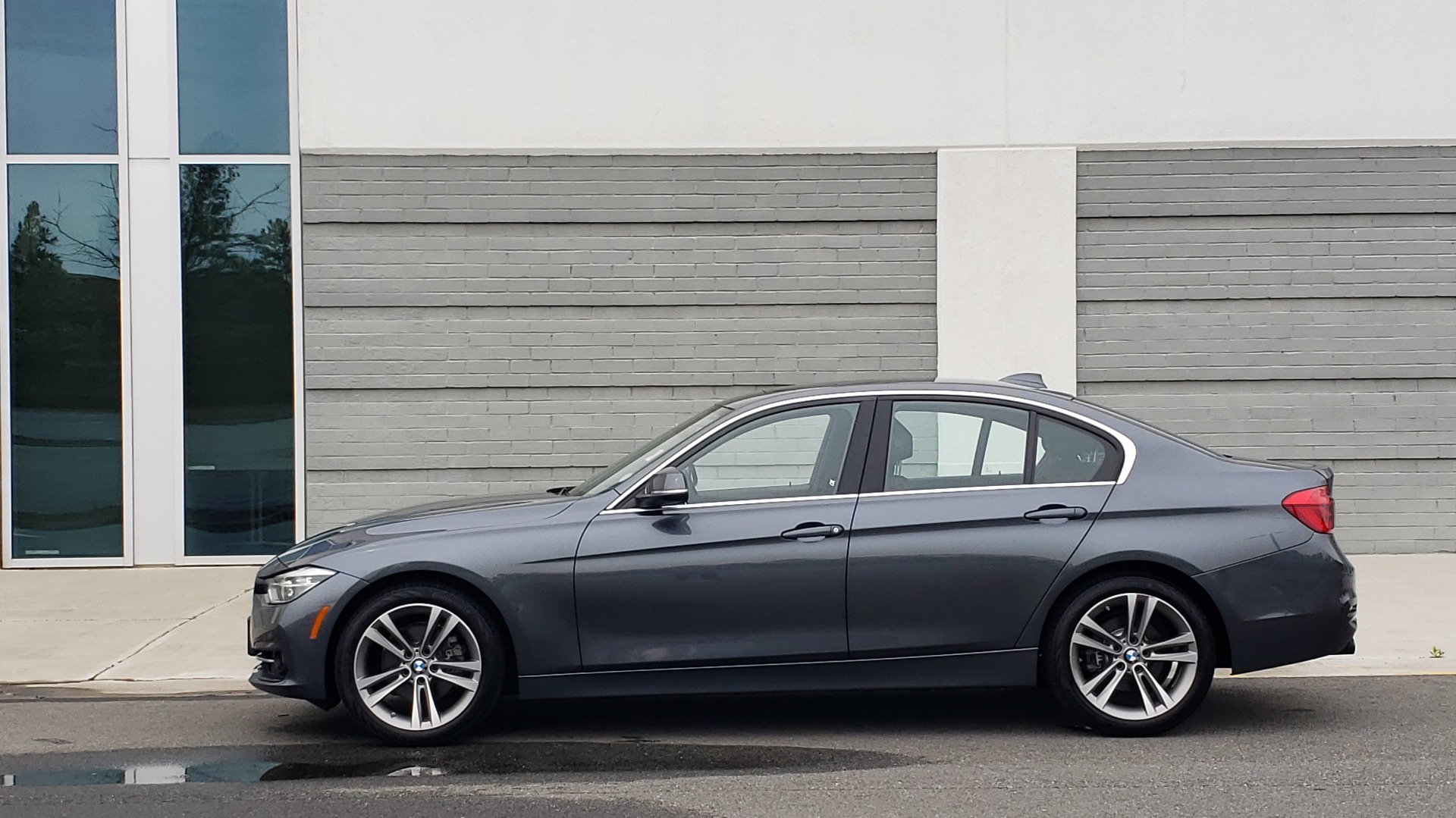 Used 2018 BMW 3 SERIES 330I XDRIVE PREMIUM / CONV PKG NAV / BLIND SPOT / HTD STS / REARVIEW for sale $22,695 at Formula Imports in Charlotte NC 28227 8