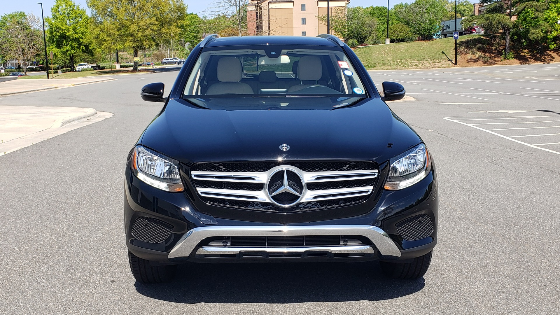 Used 2018 Mercedes-Benz GLC 300 PREMIUM / PANO-ROOF / HTD STS / REARVIEW for sale Sold at Formula Imports in Charlotte NC 28227 19