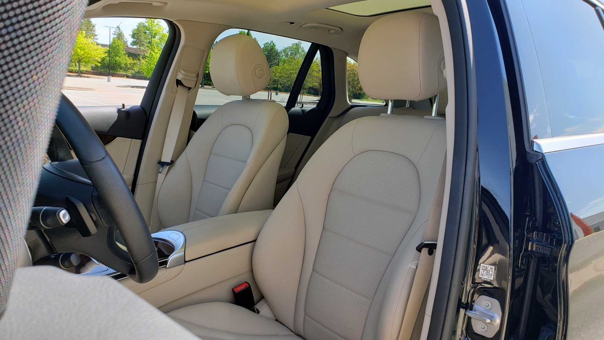 Used 2018 Mercedes-Benz GLC 300 PREMIUM / PANO-ROOF / HTD STS / REARVIEW for sale Sold at Formula Imports in Charlotte NC 28227 30
