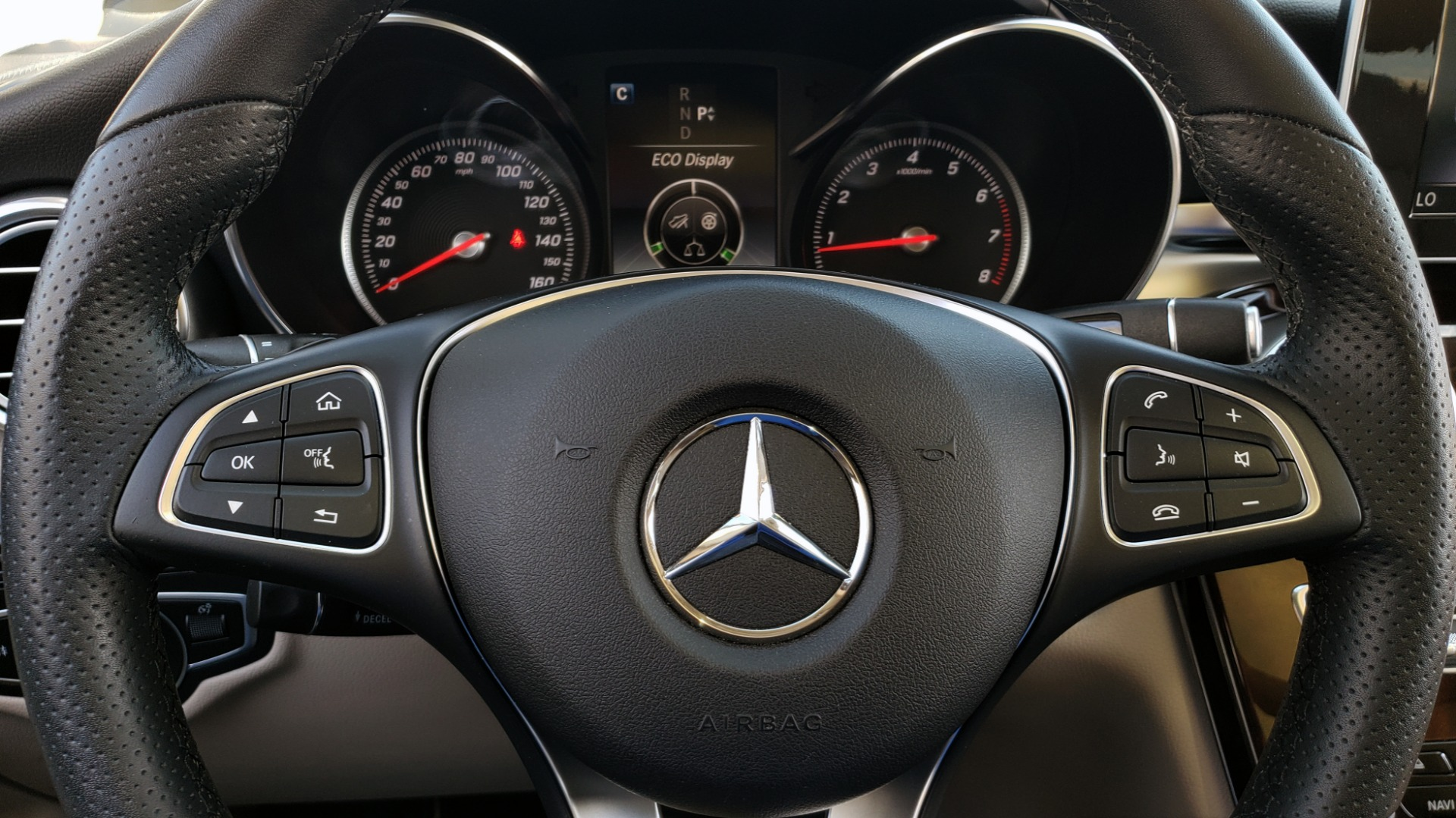 Used 2018 Mercedes-Benz GLC 300 PREMIUM / PANO-ROOF / HTD STS / REARVIEW for sale Sold at Formula Imports in Charlotte NC 28227 35