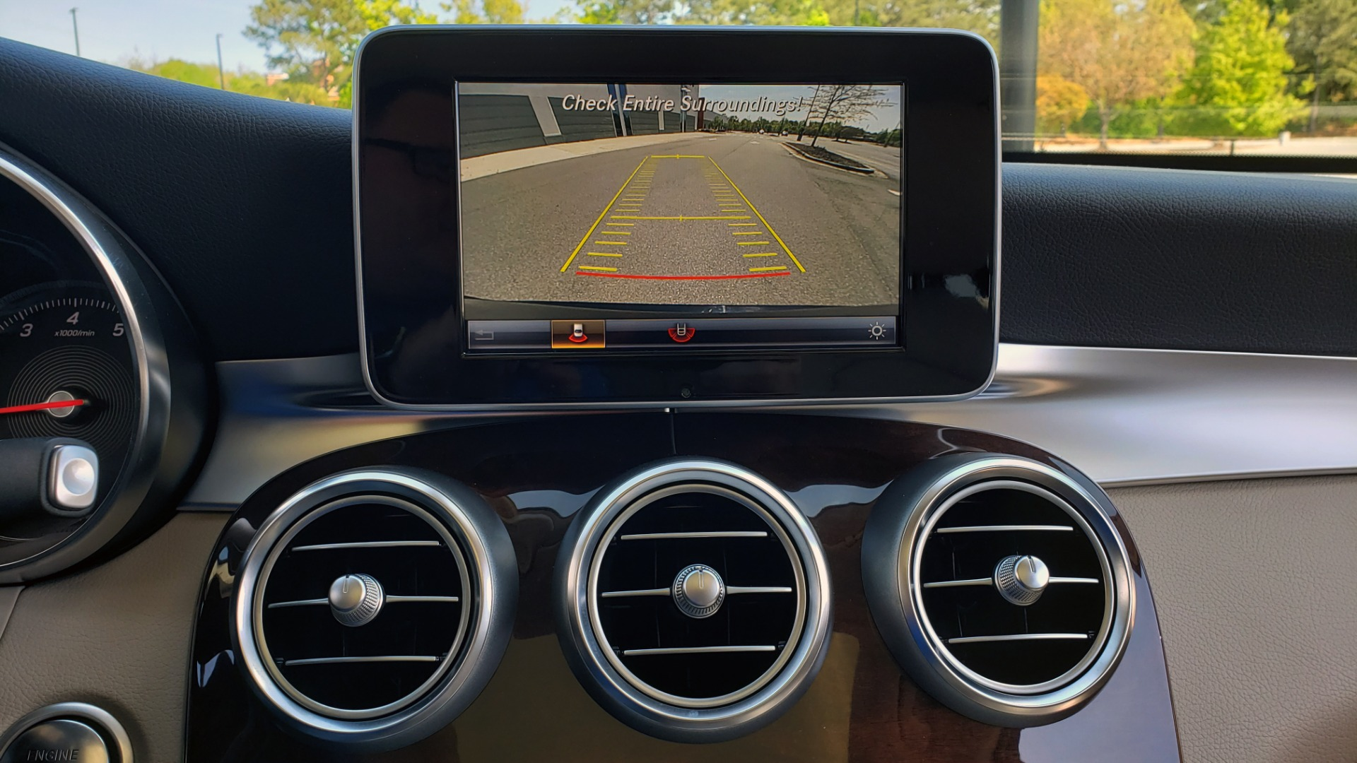 Used 2018 Mercedes-Benz GLC 300 PREMIUM / PANO-ROOF / HTD STS / REARVIEW for sale Sold at Formula Imports in Charlotte NC 28227 40