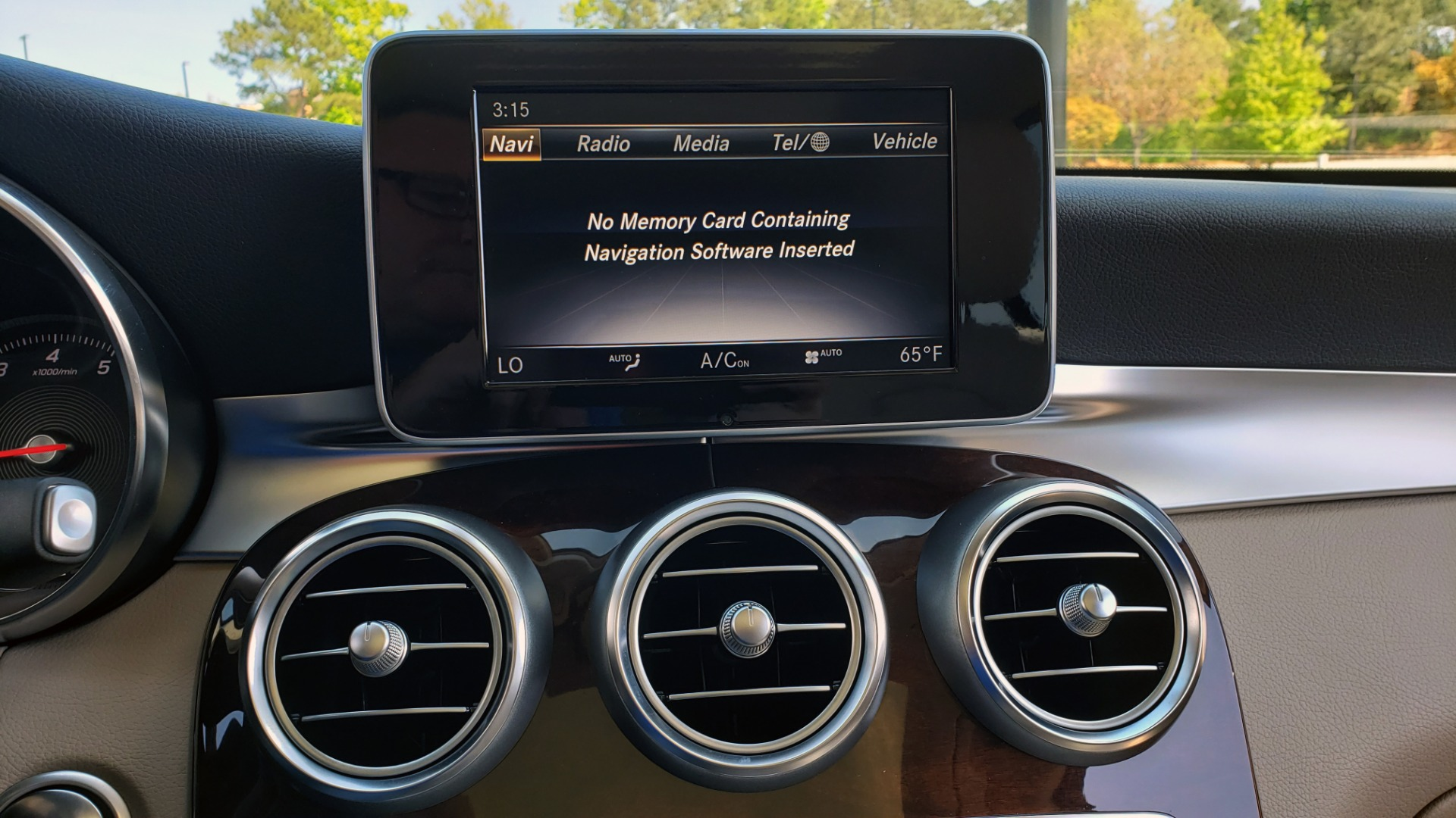 Used 2018 Mercedes-Benz GLC 300 PREMIUM / PANO-ROOF / HTD STS / REARVIEW for sale Sold at Formula Imports in Charlotte NC 28227 41