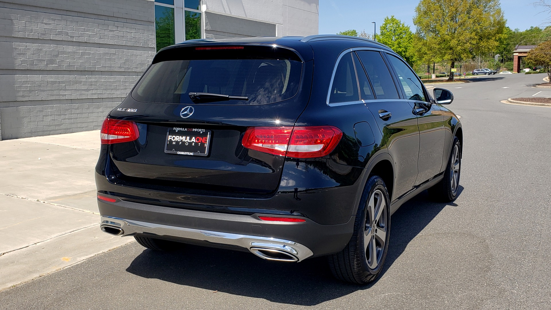 Used 2018 Mercedes-Benz GLC 300 PREMIUM / PANO-ROOF / HTD STS / REARVIEW for sale Sold at Formula Imports in Charlotte NC 28227 5