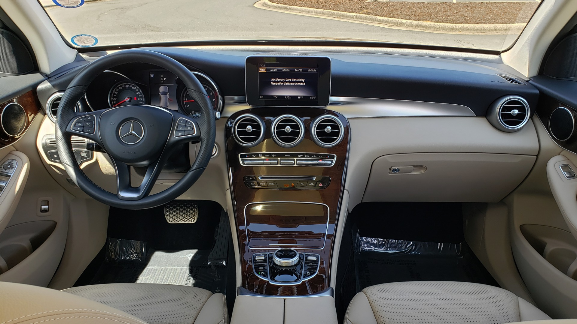 Used 2018 Mercedes-Benz GLC 300 PREMIUM / PANO-ROOF / HTD STS / REARVIEW for sale Sold at Formula Imports in Charlotte NC 28227 69