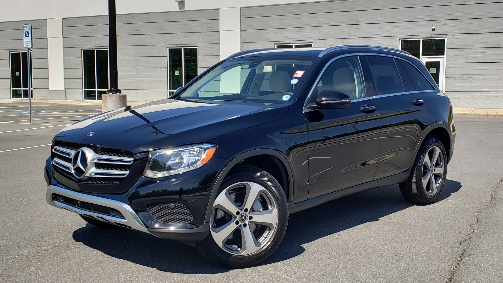Used 2018 Mercedes-Benz GLC 300 PREMIUM / PANO-ROOF / HTD STS / REARVIEW for sale Sold at Formula Imports in Charlotte NC 28227 1