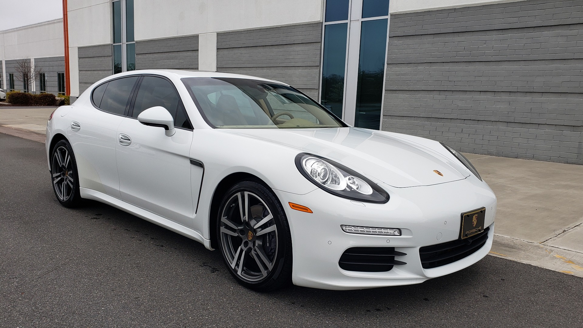Used 2016 Porsche PANAMERA EDITION / 3.6L V6 / PDK TANS / PREMIUM PKG / LDW / PARK ASSIST for sale Sold at Formula Imports in Charlotte NC 28227 2