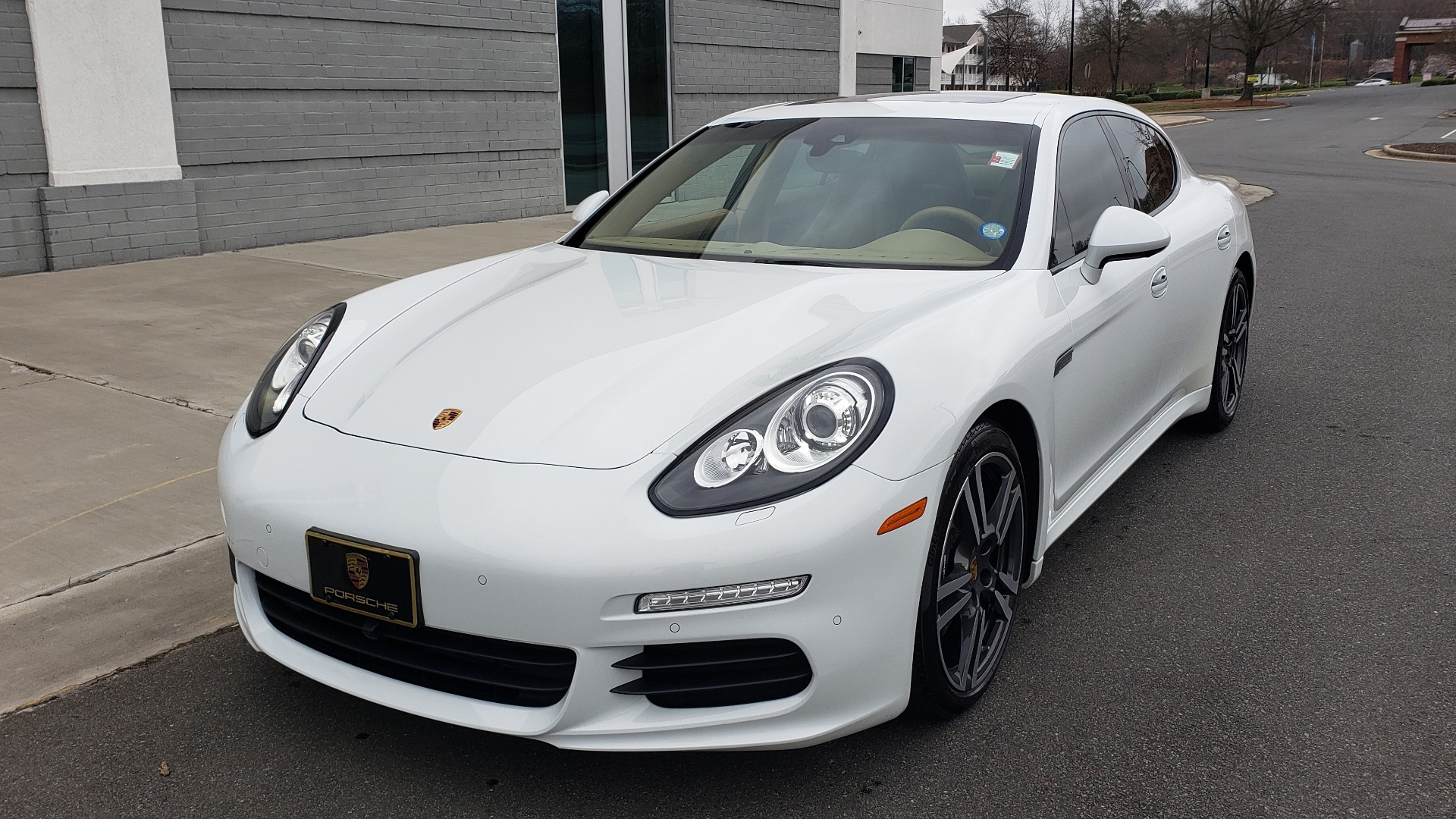 Used 2016 Porsche PANAMERA EDITION / 3.6L V6 / PDK TANS / PREMIUM PKG / LDW / PARK ASSIST for sale Sold at Formula Imports in Charlotte NC 28227 5