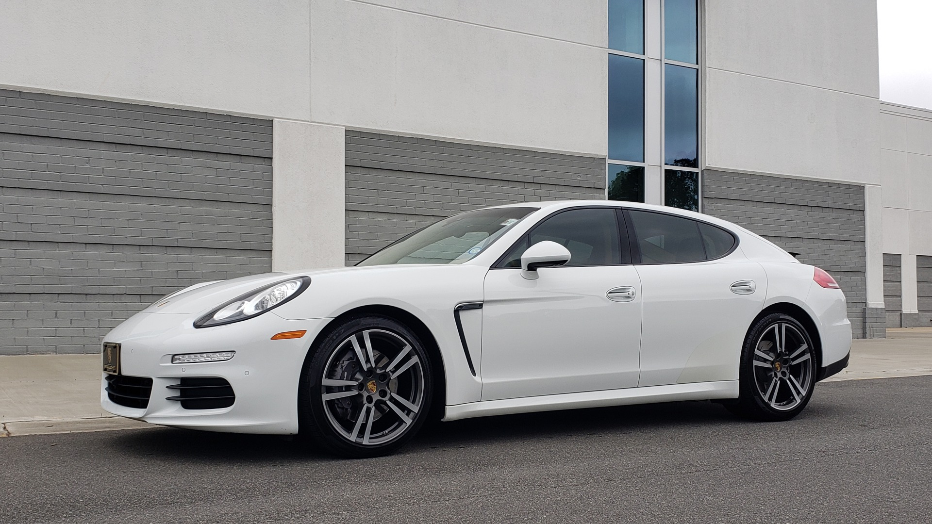 Used 2016 Porsche PANAMERA EDITION / 3.6L V6 / PDK TANS / PREMIUM PKG / LDW / PARK ASSIST for sale Sold at Formula Imports in Charlotte NC 28227 7