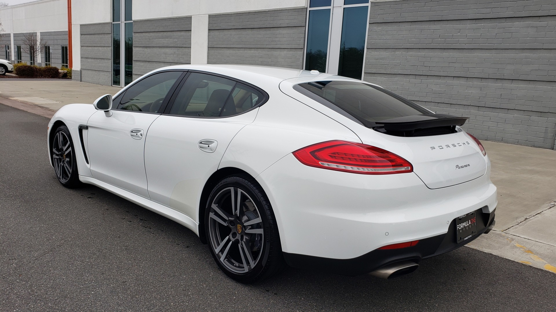 Used 2016 Porsche PANAMERA EDITION / 3.6L V6 / PDK TANS / PREMIUM PKG / LDW / PARK ASSIST for sale Sold at Formula Imports in Charlotte NC 28227 9