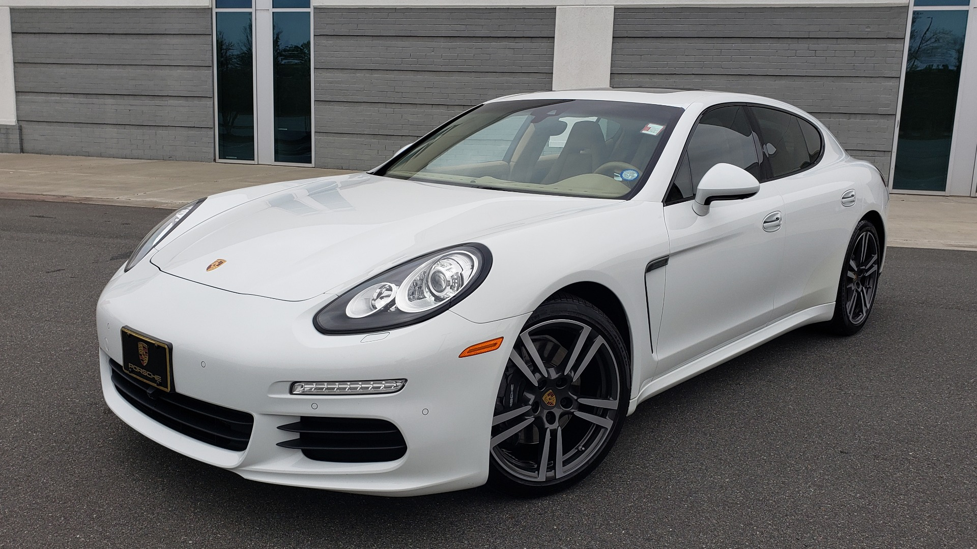 Used 2016 Porsche PANAMERA EDITION / 3.6L V6 / PDK TANS / PREMIUM PKG / LDW / PARK ASSIST for sale Sold at Formula Imports in Charlotte NC 28227 1