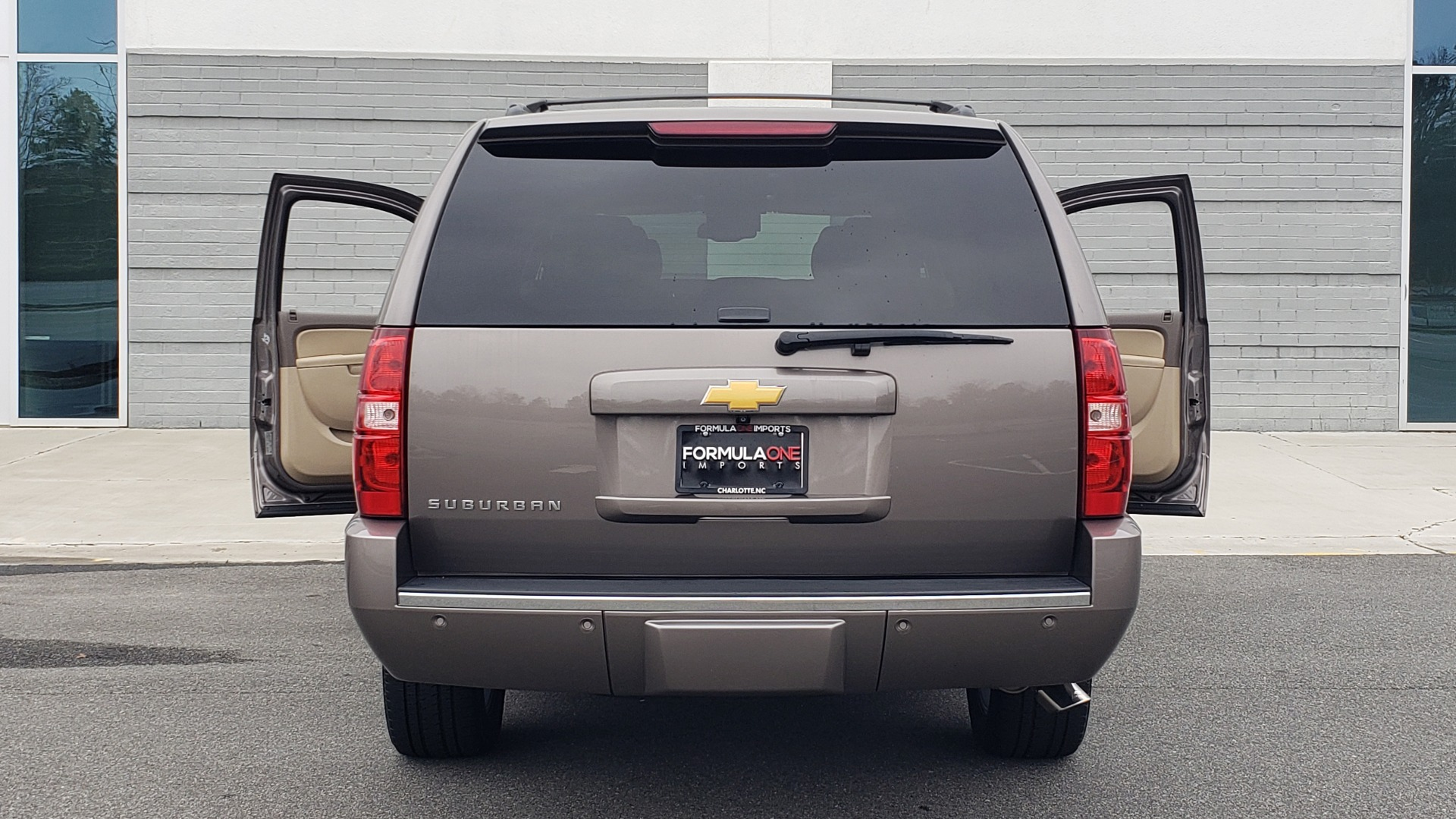 Used 2014 Chevrolet SUBURBAN LTZ / 4WD / ENTERTAINMENT / NAV / SUNROOF / TRAILER PKG for sale Sold at Formula Imports in Charlotte NC 28227 27