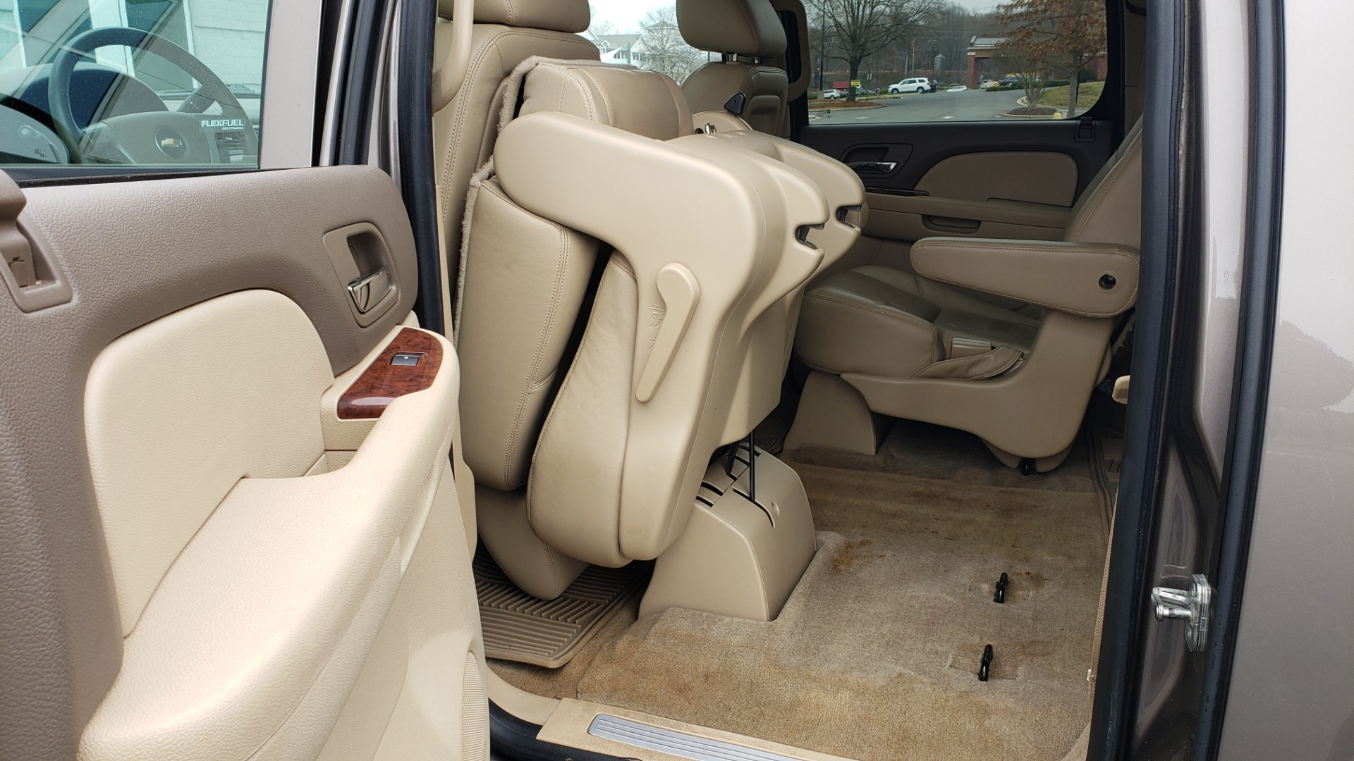 Used 2014 Chevrolet SUBURBAN LTZ / 4WD / ENTERTAINMENT / NAV / SUNROOF / TRAILER PKG for sale Sold at Formula Imports in Charlotte NC 28227 58