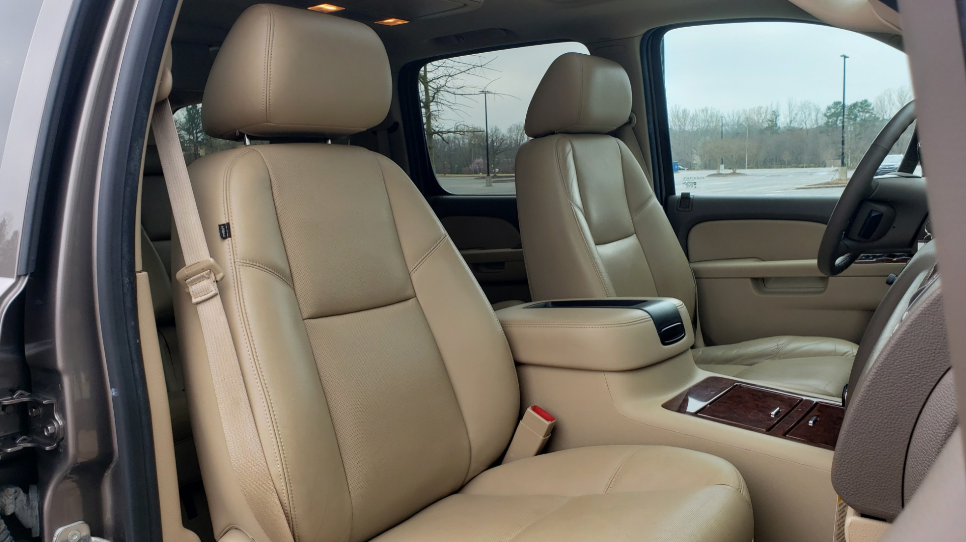 Used 2014 Chevrolet SUBURBAN LTZ / 4WD / ENTERTAINMENT / NAV / SUNROOF / TRAILER PKG for sale Sold at Formula Imports in Charlotte NC 28227 64