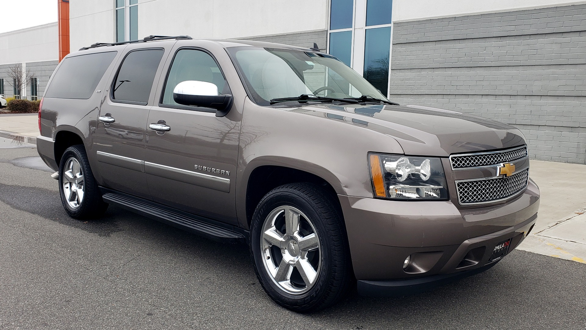 Used 2014 Chevrolet SUBURBAN LTZ / 4WD / ENTERTAINMENT / NAV / SUNROOF / TRAILER PKG for sale Sold at Formula Imports in Charlotte NC 28227 7