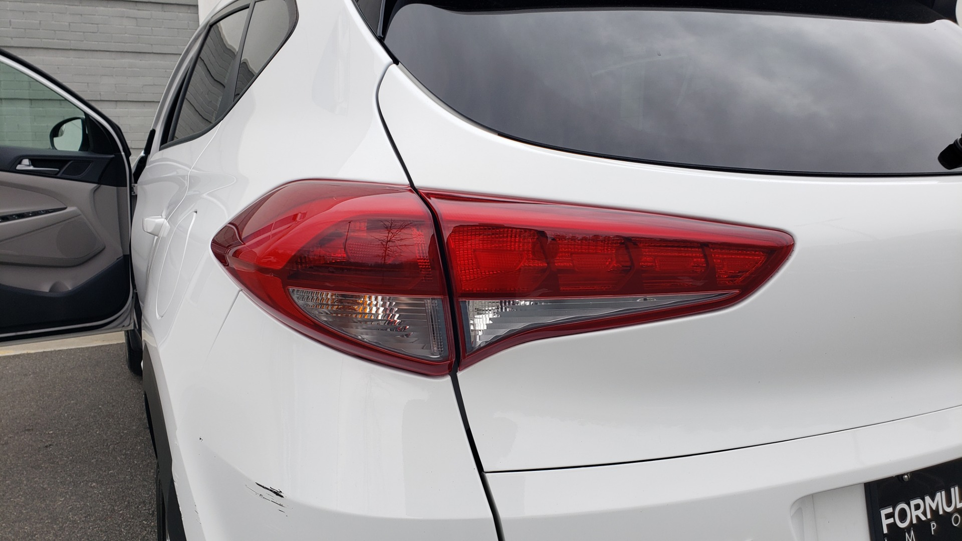 Used 2017 Hyundai TUCSON SE / 2.0L / 6-SPD AUTO / CLOTH / REARVIEW CAMERA for sale Sold at Formula Imports in Charlotte NC 28227 29