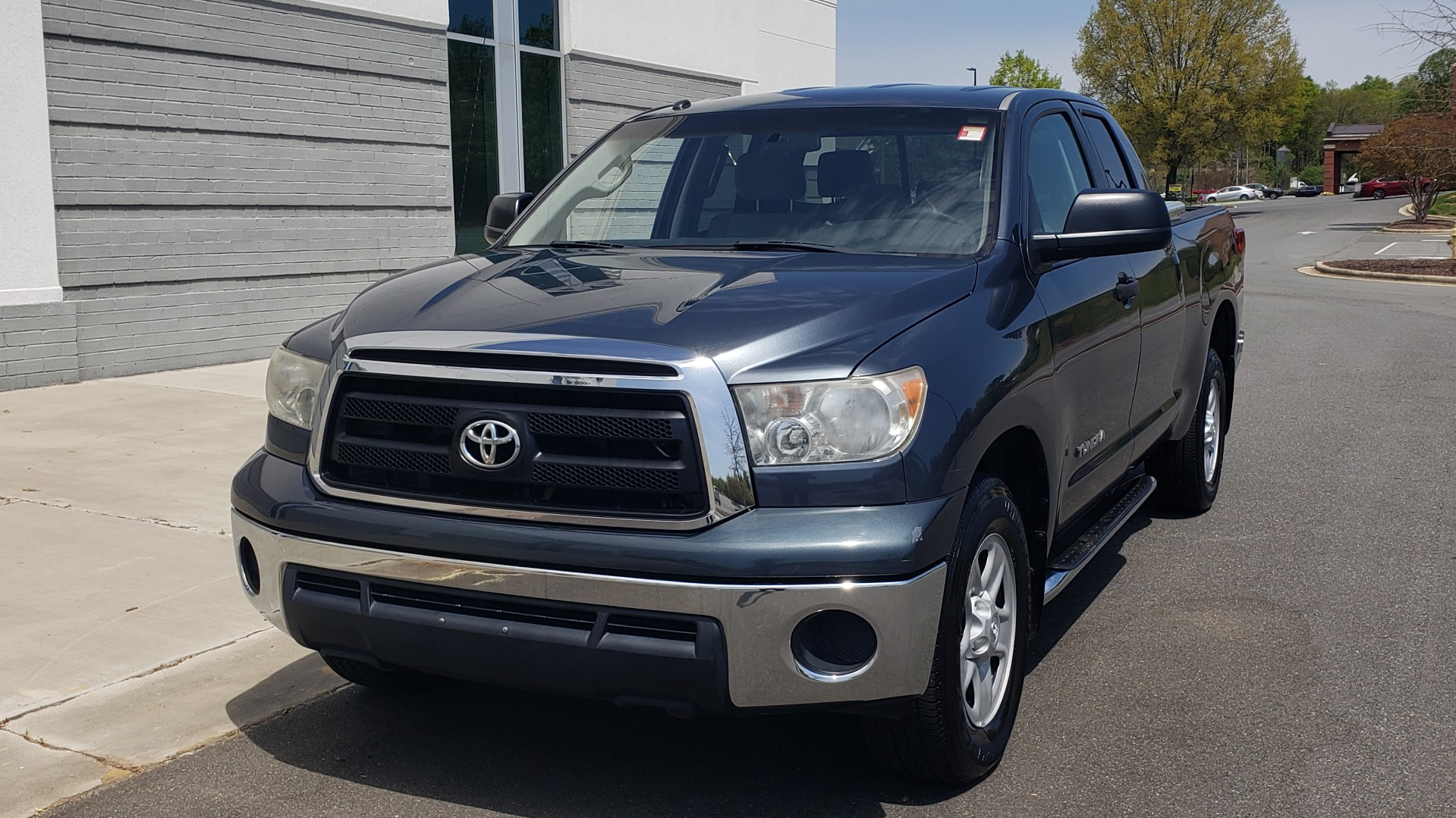 Used 2010 Toyota TUNDRA DOUBLECAB 4X4 / 4.6L V8 / 6-SPD AUTO / TOW PKG / 18IN WHEELS for sale $17,995 at Formula Imports in Charlotte NC 28227 2
