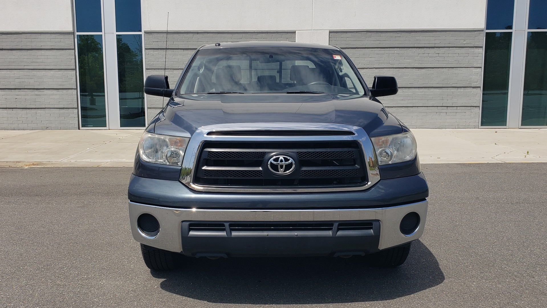 Used 2010 Toyota TUNDRA DOUBLECAB 4X4 / 4.6L V8 / 6-SPD AUTO / TOW PKG / 18IN WHEELS for sale Sold at Formula Imports in Charlotte NC 28227 21