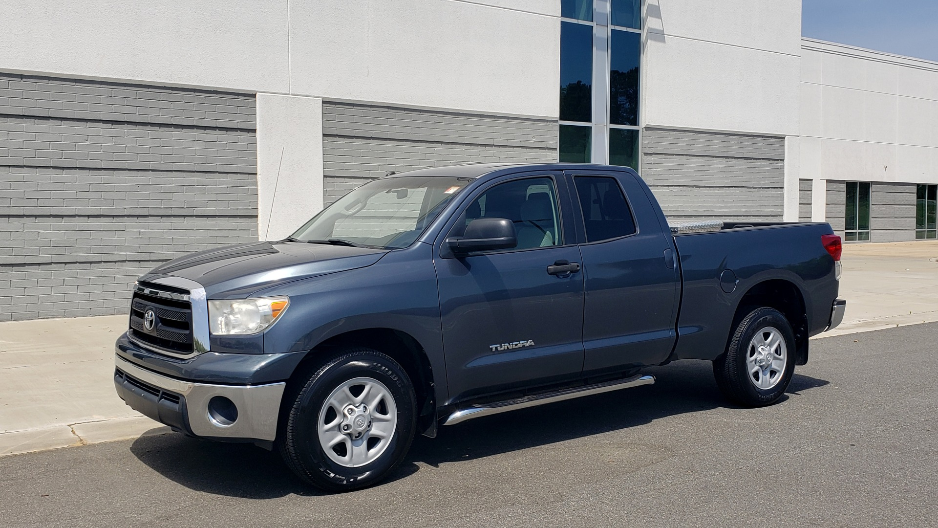 Used 2010 Toyota TUNDRA DOUBLECAB 4X4 / 4.6L V8 / 6-SPD AUTO / TOW PKG / 18IN WHEELS for sale $17,995 at Formula Imports in Charlotte NC 28227 3