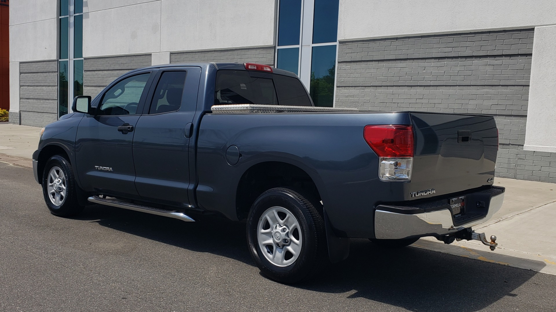 Used 2010 Toyota TUNDRA DOUBLECAB 4X4 / 4.6L V8 / 6-SPD AUTO / TOW PKG / 18IN WHEELS for sale Sold at Formula Imports in Charlotte NC 28227 5