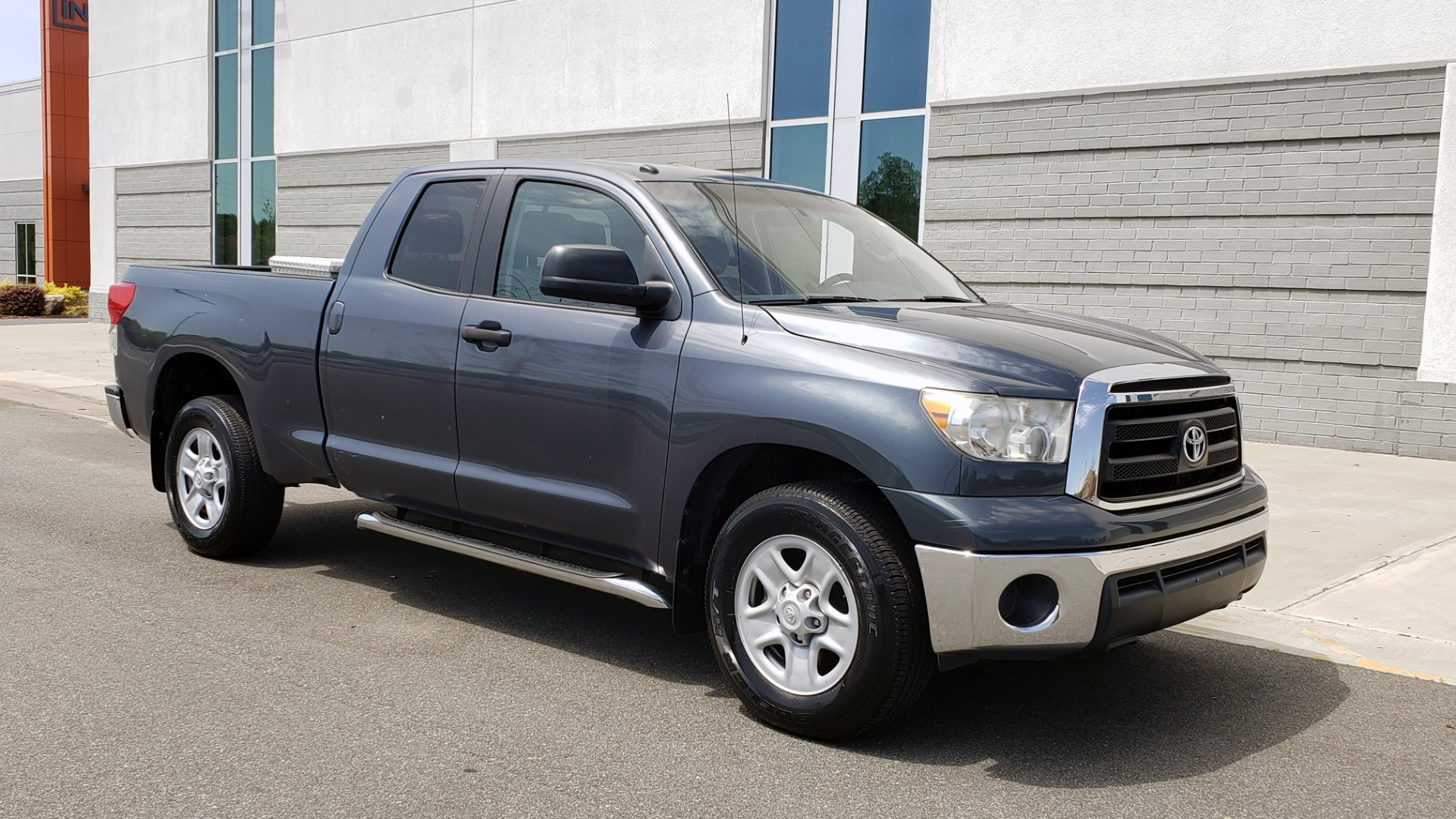 Used 2010 Toyota TUNDRA DOUBLECAB 4X4 / 4.6L V8 / 6-SPD AUTO / TOW PKG / 18IN WHEELS for sale Sold at Formula Imports in Charlotte NC 28227 6