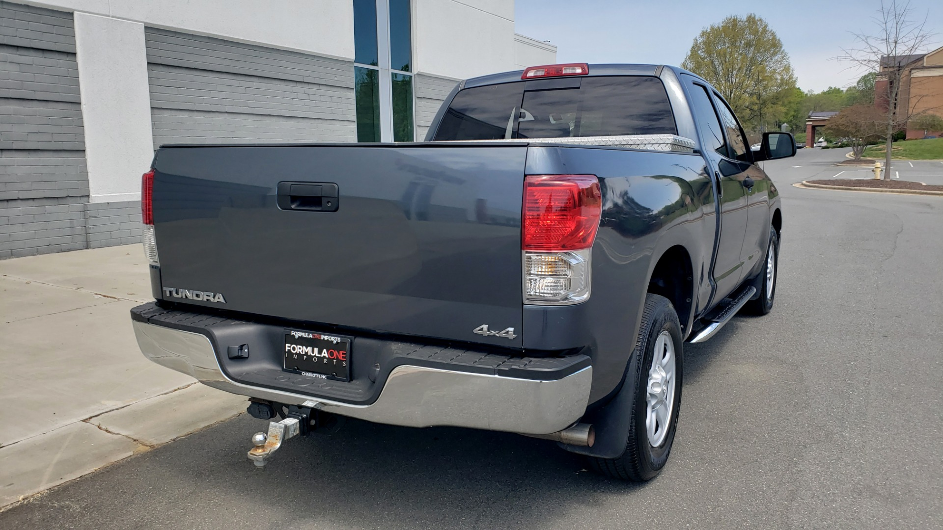 Used 2010 Toyota TUNDRA DOUBLECAB 4X4 / 4.6L V8 / 6-SPD AUTO / TOW PKG / 18IN WHEELS for sale Sold at Formula Imports in Charlotte NC 28227 8
