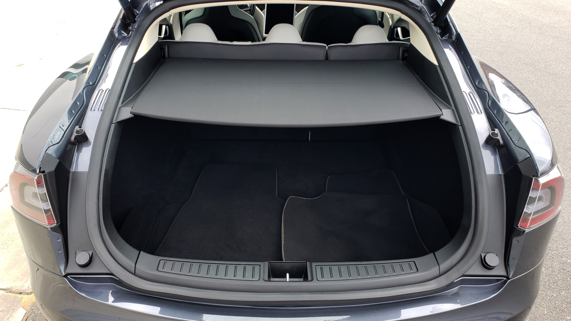 Used 2014 Tesla MODEL S 60 kWh BATTERY / TECH / NAV / SUBZERO / SUNROOF / REARVIEW for sale Sold at Formula Imports in Charlotte NC 28227 12