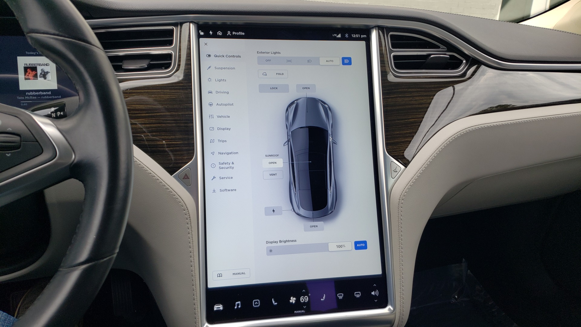 Used 2014 Tesla MODEL S 60 kWh BATTERY / TECH / NAV / SUBZERO / SUNROOF / REARVIEW for sale Sold at Formula Imports in Charlotte NC 28227 42
