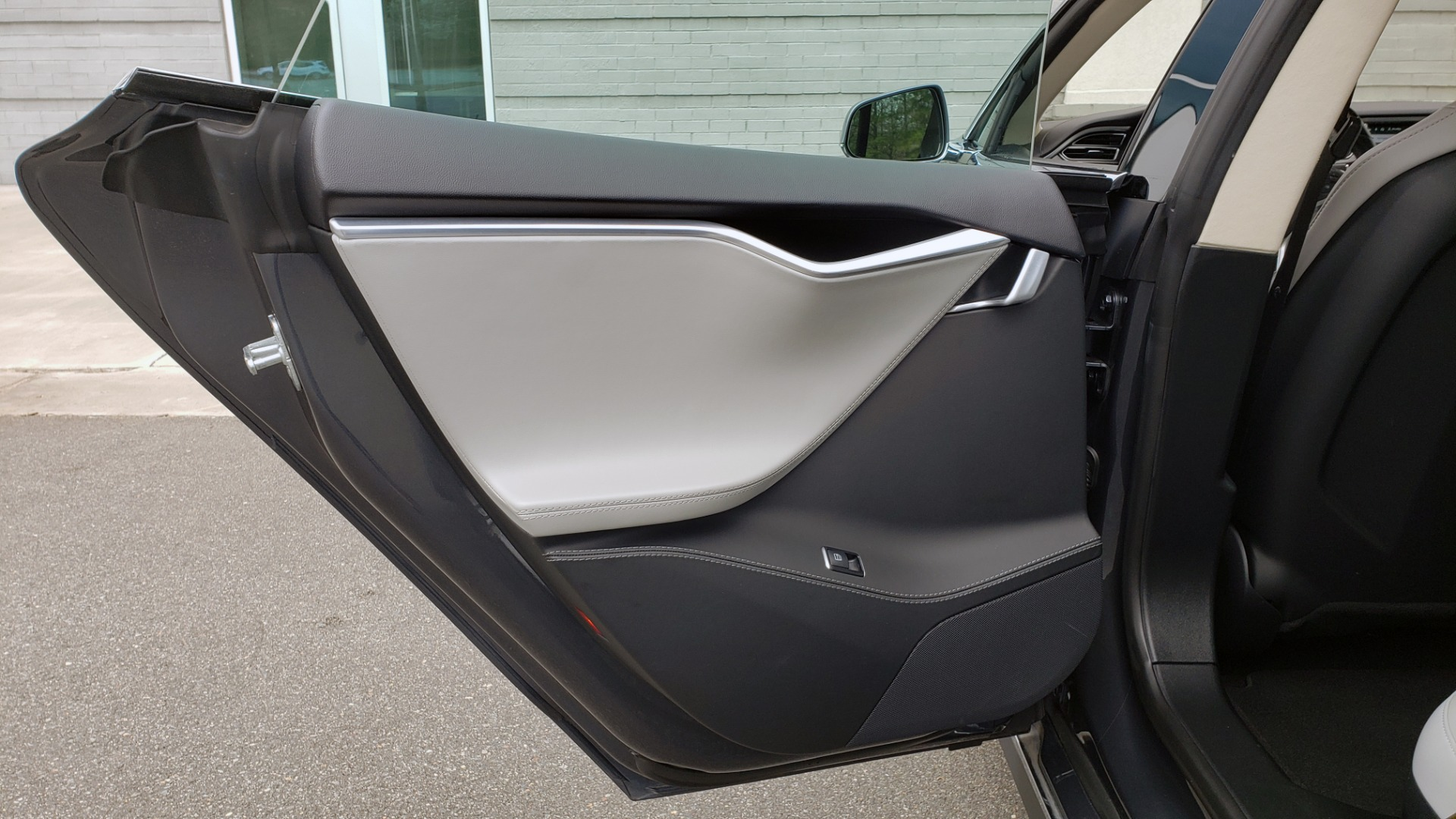 Used 2014 Tesla MODEL S 60 kWh BATTERY / TECH / NAV / SUBZERO / SUNROOF / REARVIEW for sale Sold at Formula Imports in Charlotte NC 28227 50