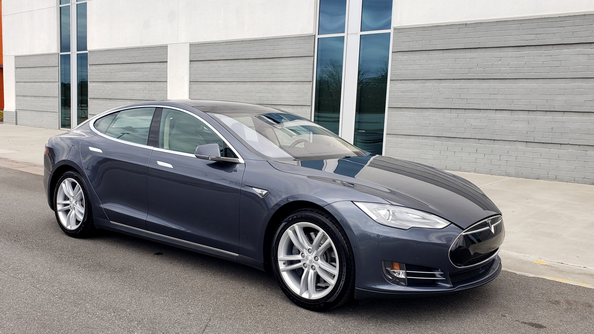 Used 2014 Tesla MODEL S 60 kWh BATTERY / TECH / NAV / SUBZERO / SUNROOF / REARVIEW for sale Sold at Formula Imports in Charlotte NC 28227 6