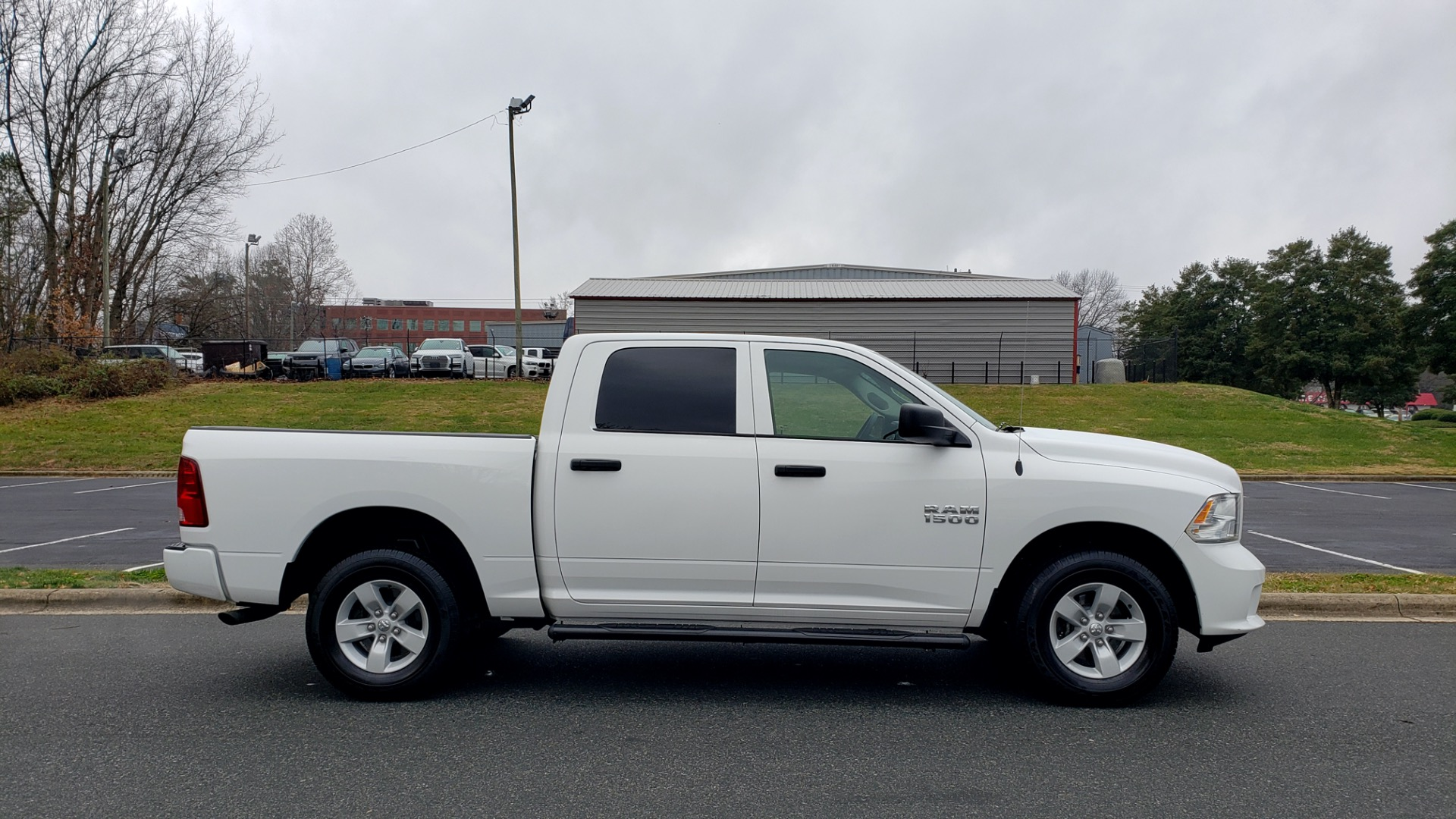 Used 2016 Ram 1500 EXPRESS / CREW CAB / 4X4 / BED LINER / 32-GALLON TANK for sale Sold at Formula Imports in Charlotte NC 28227 12