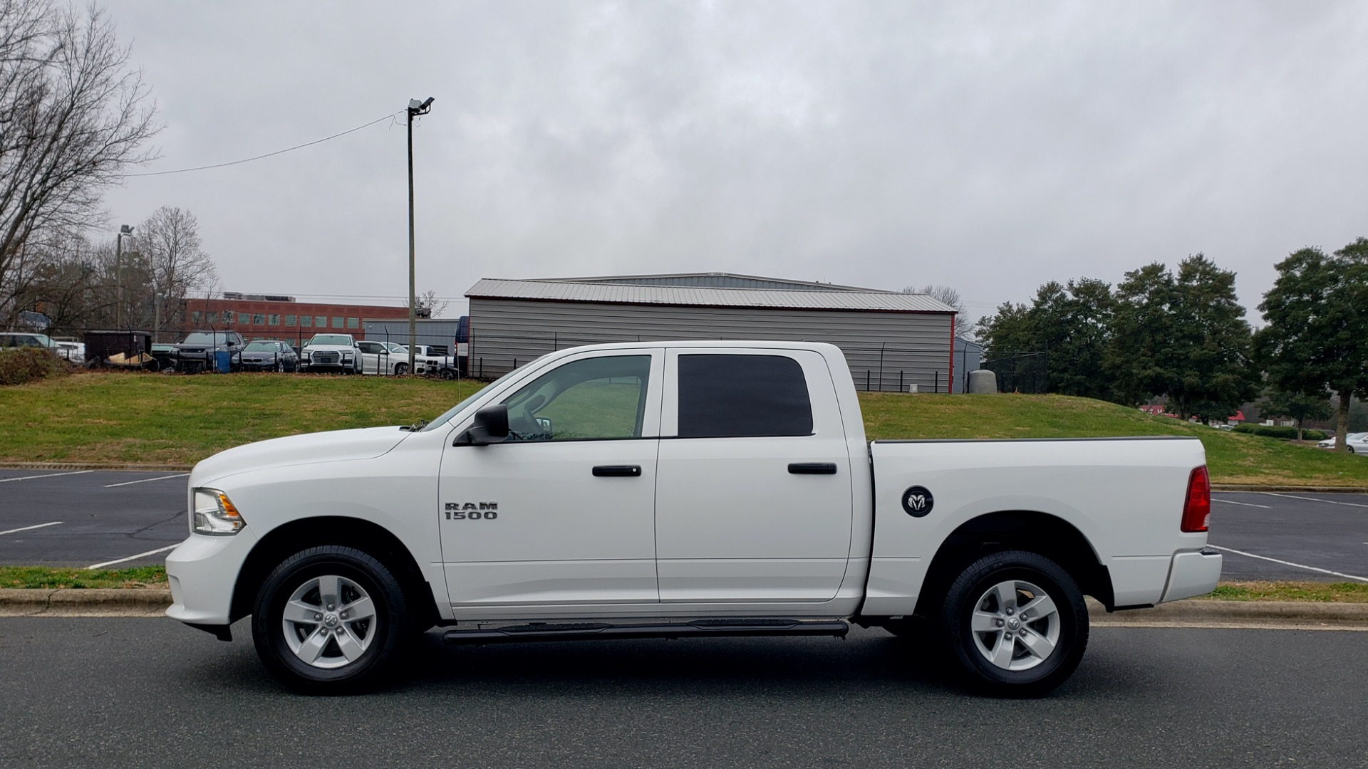 Used 2016 Ram 1500 EXPRESS / CREW CAB / 4X4 / BED LINER / 32-GALLON TANK for sale Sold at Formula Imports in Charlotte NC 28227 2