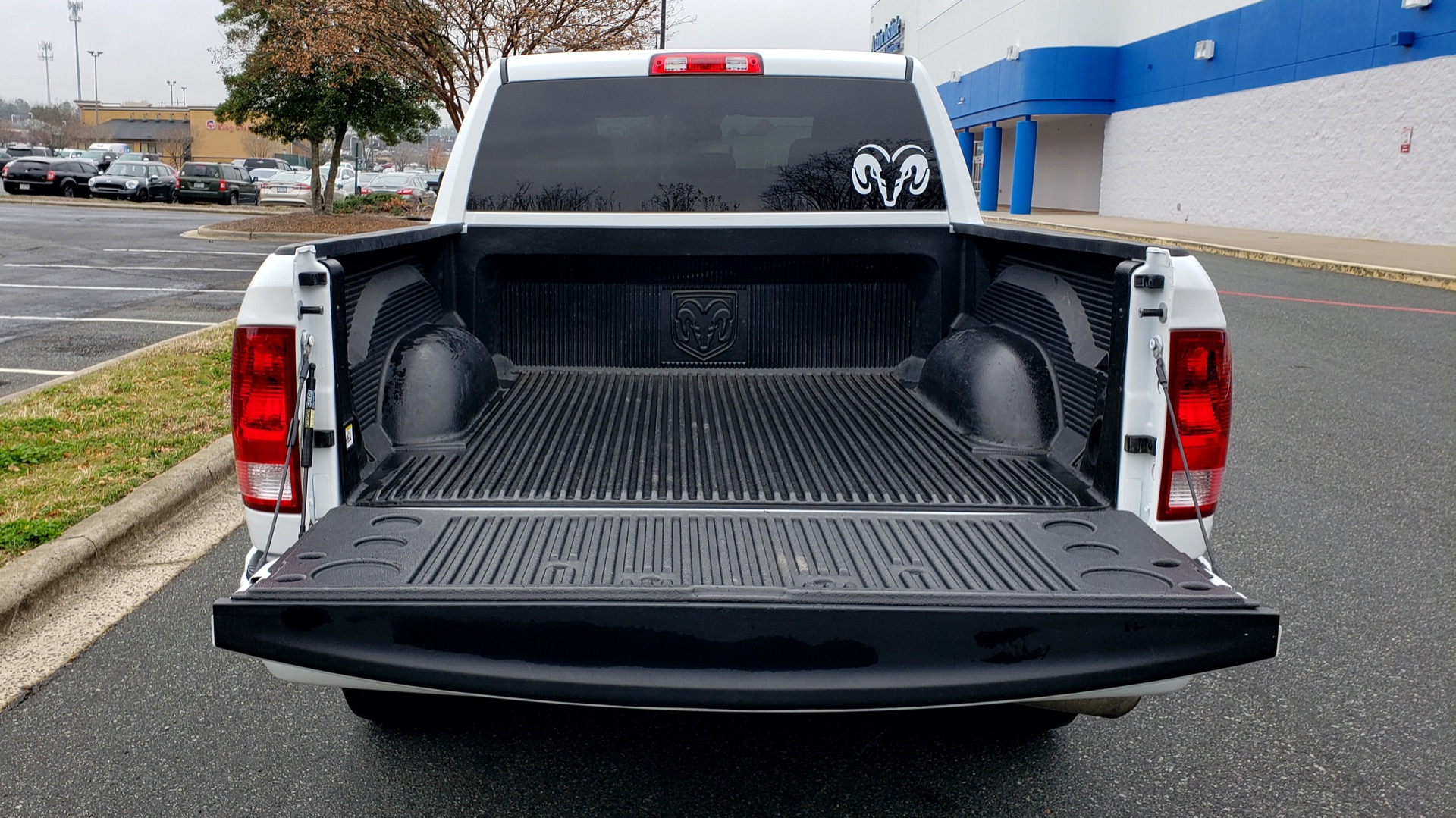 Used 2016 Ram 1500 EXPRESS / CREW CAB / 4X4 / BED LINER / 32-GALLON TANK for sale Sold at Formula Imports in Charlotte NC 28227 21
