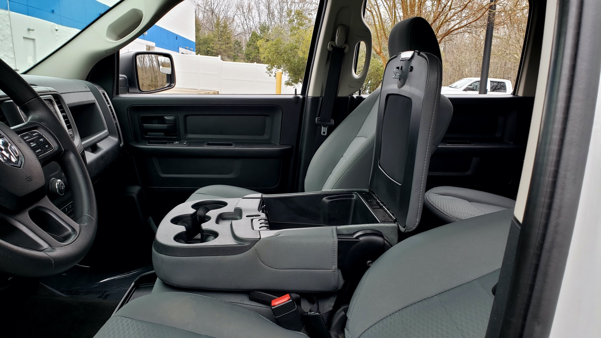 Used 2016 Ram 1500 EXPRESS / CREW CAB / 4X4 / BED LINER / 32-GALLON TANK for sale Sold at Formula Imports in Charlotte NC 28227 48