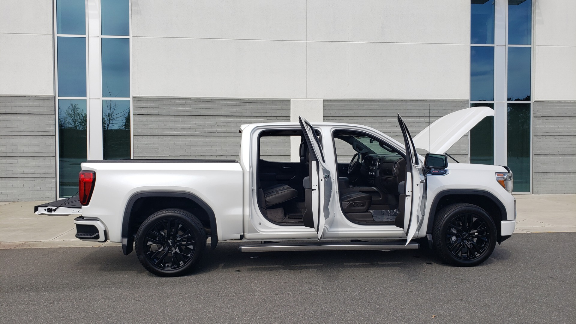 Used 2020 GMC SIERRA 1500 DENALI 4X4 CREWCAB 6.2L V8 / TECH / NAV / SUNROOF / DRVR ALERT II for sale Sold at Formula Imports in Charlotte NC 28227 14