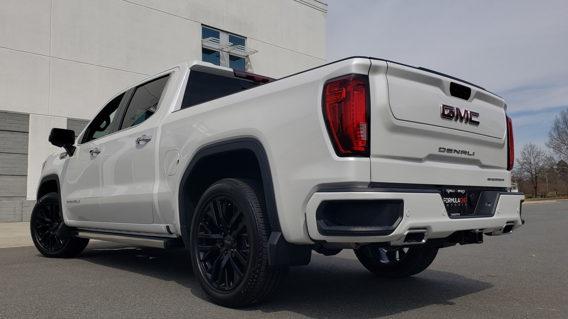 Used 2020 GMC SIERRA 1500 DENALI 4X4 CREWCAB 6.2L V8 / TECH / NAV / SUNROOF / DRVR ALERT II for sale Sold at Formula Imports in Charlotte NC 28227 2