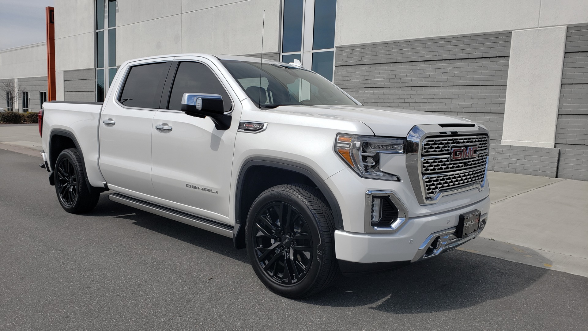 Used 2020 GMC SIERRA 1500 DENALI 4X4 CREWCAB 6.2L V8 / TECH / NAV / SUNROOF / DRVR ALERT II for sale Sold at Formula Imports in Charlotte NC 28227 6