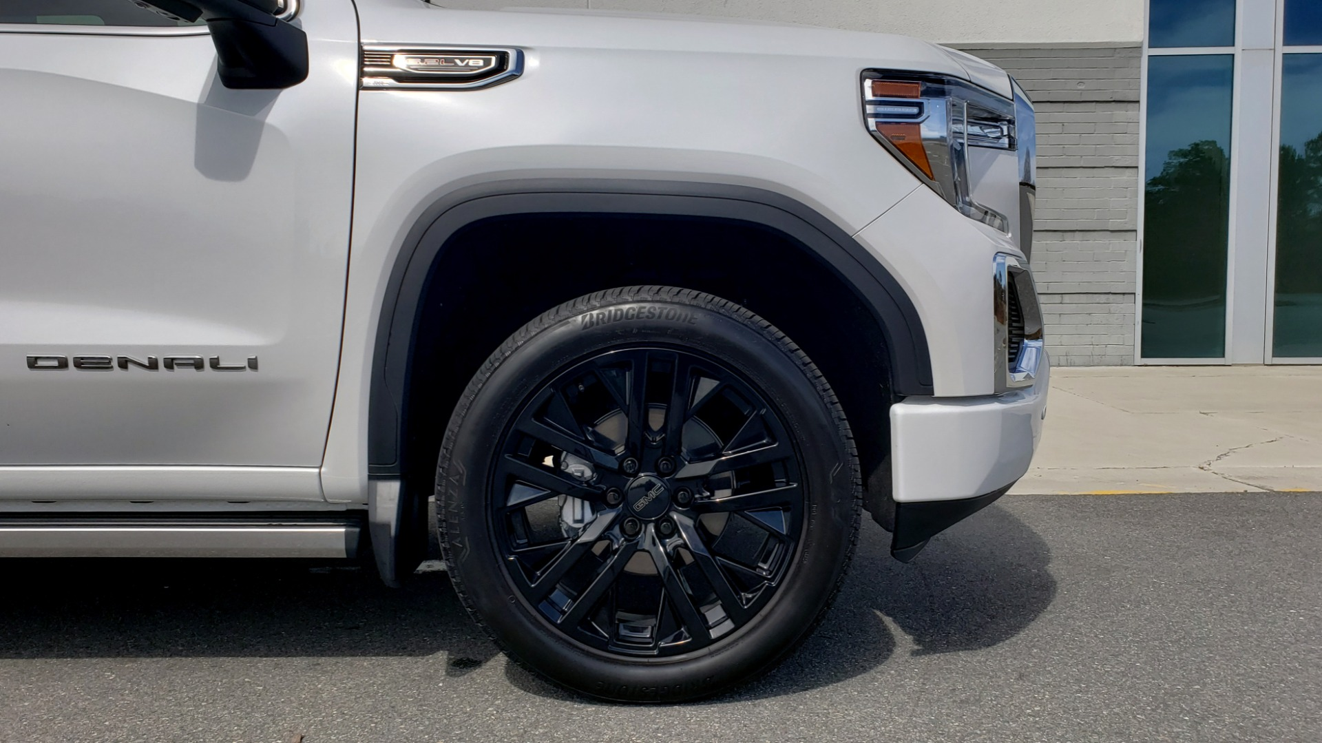 Used 2020 GMC SIERRA 1500 DENALI 4X4 CREWCAB 6.2L V8 / TECH / NAV / SUNROOF / DRVR ALERT II for sale Sold at Formula Imports in Charlotte NC 28227 94