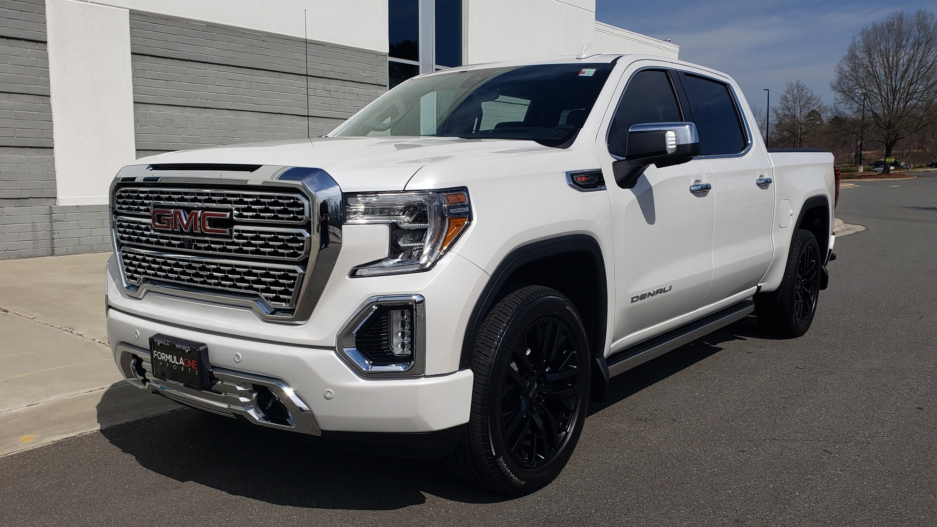 Used 2020 GMC SIERRA 1500 DENALI 4X4 CREWCAB 6.2L V8 / TECH / NAV / SUNROOF / DRVR ALERT II for sale Sold at Formula Imports in Charlotte NC 28227 1