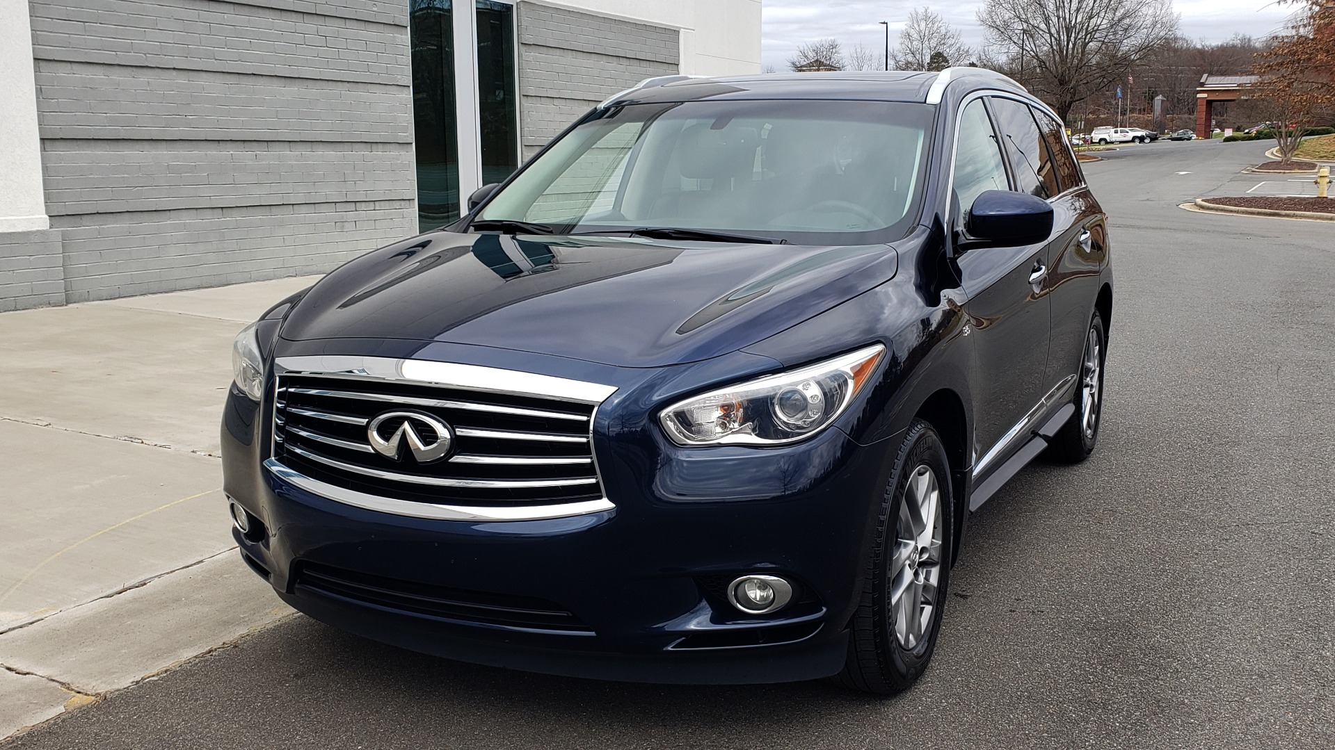 Used 2015 INFINITI QX60 3.5L SUV / CVT AUTO / 3-ROW / SUNROOF / REARVIEW for sale $23,995 at Formula Imports in Charlotte NC 28227 2