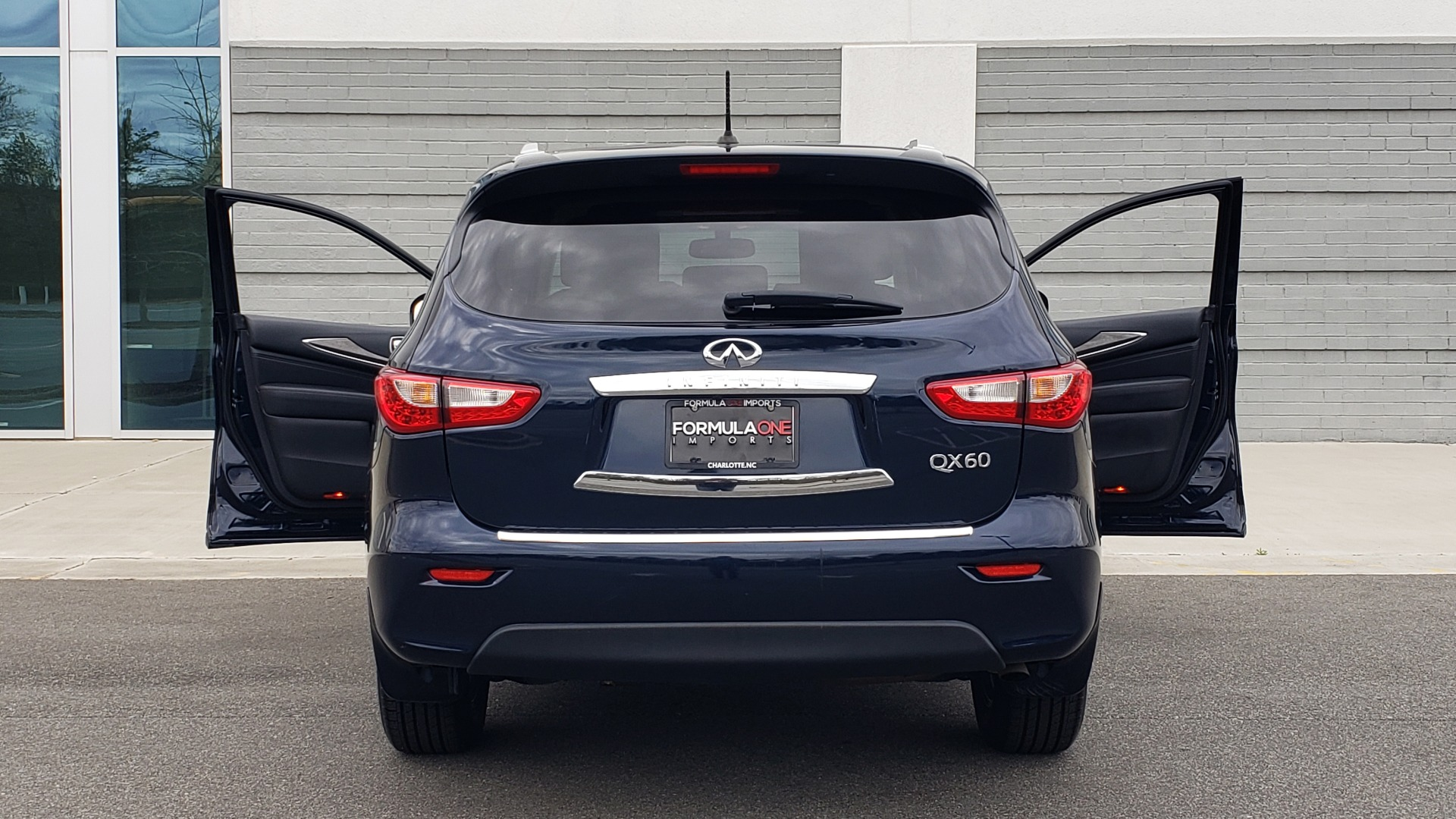 Used 2015 INFINITI QX60 3.5L SUV / CVT AUTO / 3-ROW / SUNROOF / REARVIEW for sale $23,995 at Formula Imports in Charlotte NC 28227 28
