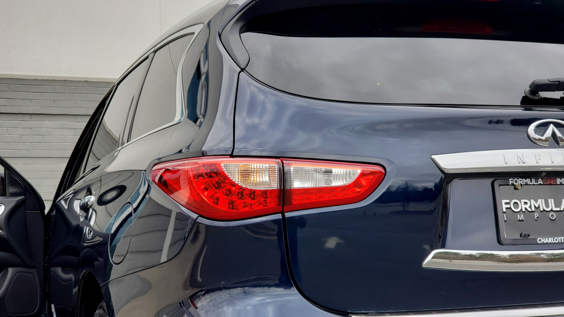Used 2015 INFINITI QX60 3.5L SUV / CVT AUTO / 3-ROW / SUNROOF / REARVIEW for sale $23,995 at Formula Imports in Charlotte NC 28227 29