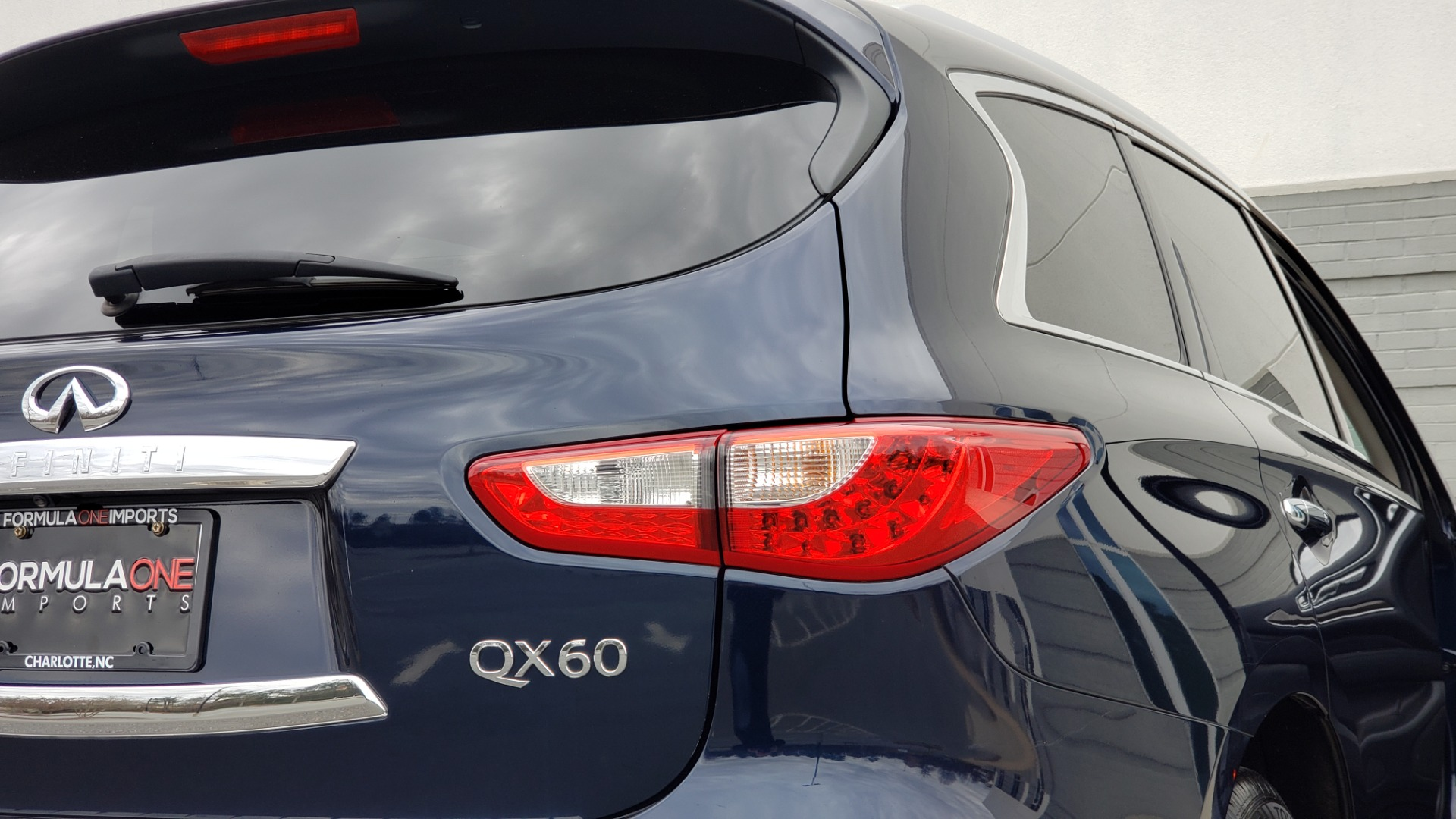 Used 2015 INFINITI QX60 3.5L SUV / CVT AUTO / 3-ROW / SUNROOF / REARVIEW for sale $23,995 at Formula Imports in Charlotte NC 28227 30