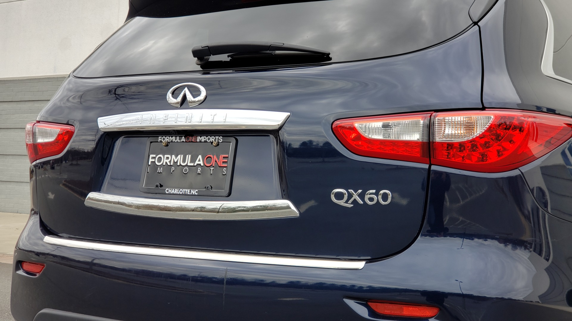 Used 2015 INFINITI QX60 3.5L SUV / CVT AUTO / 3-ROW / SUNROOF / REARVIEW for sale $23,995 at Formula Imports in Charlotte NC 28227 31