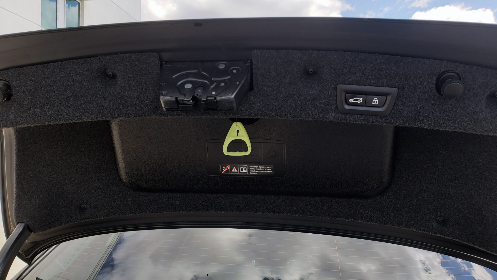 Used 2014 BMW 5 SERIES 535I PREMIUM / HUD / NAV / HTD STS / SUNROOF / REARVIEW for sale $18,995 at Formula Imports in Charlotte NC 28227 20
