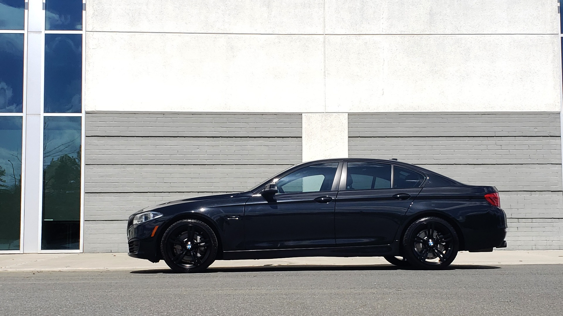 Used 2014 BMW 5 SERIES 535I PREMIUM / HUD / NAV / HTD STS / SUNROOF / REARVIEW for sale Sold at Formula Imports in Charlotte NC 28227 4